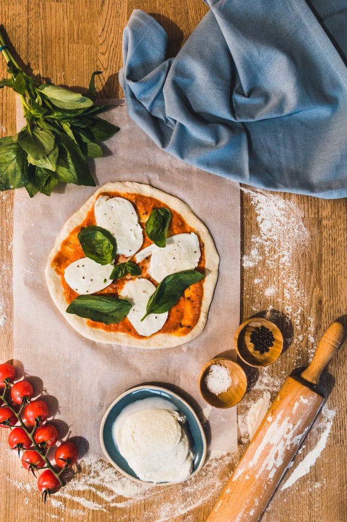 pizza-fait maison-plan de travail-photographe culinaire